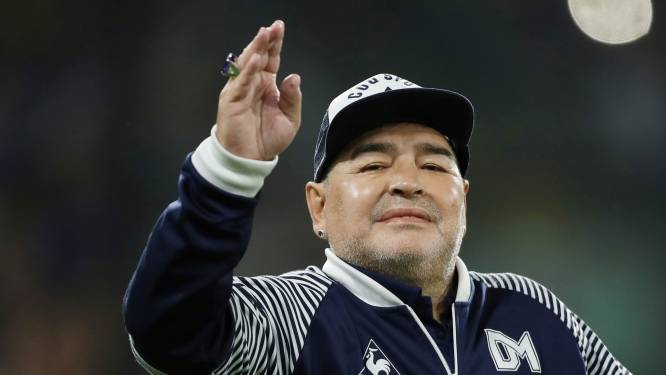"""Voetbalwereld rouwt om Diego Maradona: """"Hopelijk vindt hij rust in de handen van God"""""""