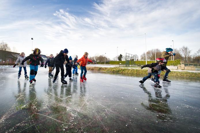 Vorig jaar en het jaar daarvoor, in 2017, kon er buiten geschaatst worden op de schaatsbaan in Heumen.  Archieffoto