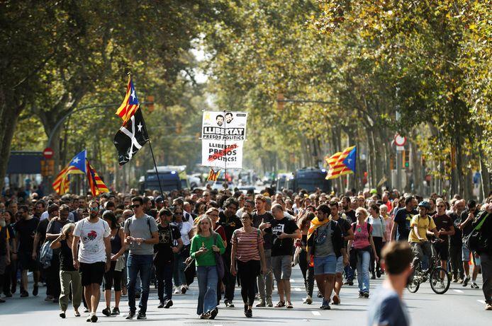Protestmars in Barcelona tegen de aanhouding van Catalaanse politici en activisten.