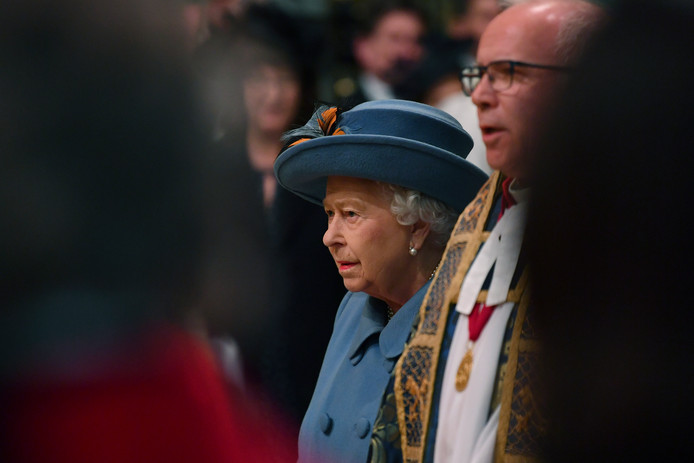 La reine Elizabeth II va se retirer pour plusieurs semaines dans son château de Windsor, à une quarantaine de kilomètres à l'ouest de Londres, en raison du coronavirus.