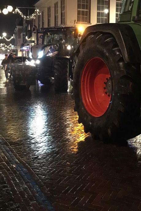 Groot protest in Winterswijk: honderden boeren en bouwers in actie tegen strenge stikstofregels