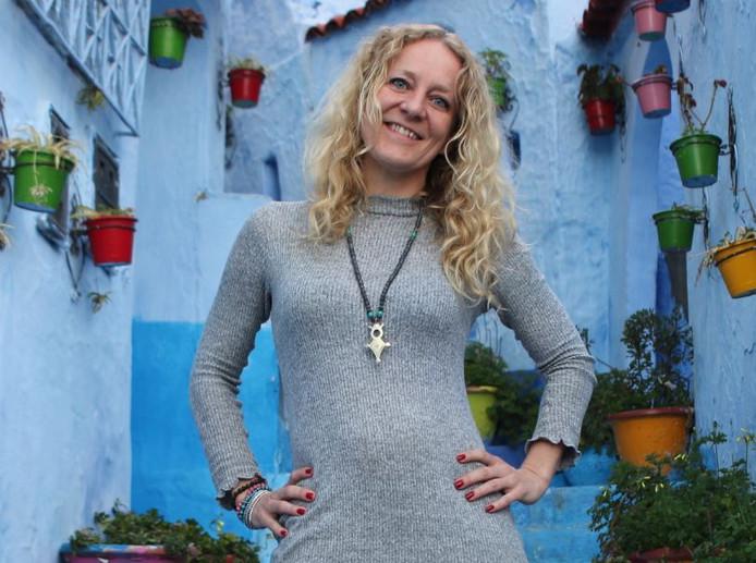 Angelique Slob is organisatieconsultant met een eigen bedrijf en verdeelt haar tijd tussen Amsterdam, Lissabon en Brazilië.