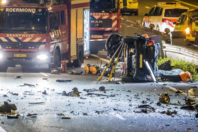 Grote ravage op de A73 na het ongeluk.