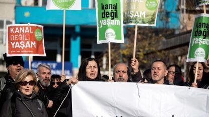 Nieuwste project van Turkse leider doet wenkbrauwen fronsen: zelf noemt Erdogan zijn kanaal van 23 miljard ook 'geschift'