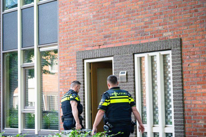 De politie viel woensdagochtend bij deze woning binnen in het kader van een lopend drugsonderzoek.