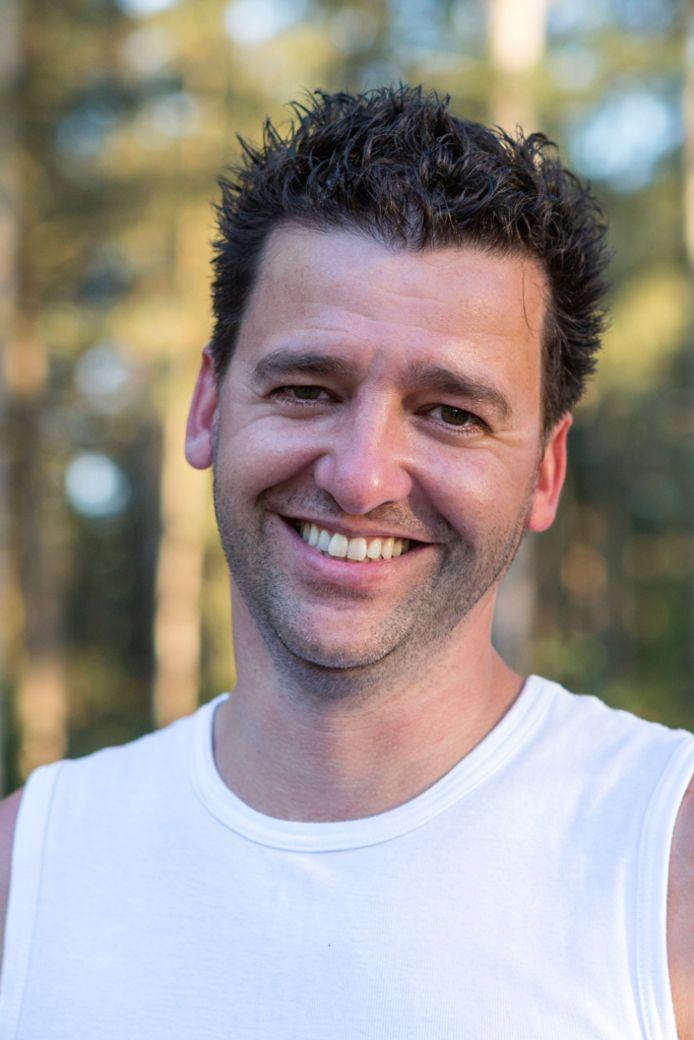 Dave Meulendijks is personal trainer in Eindhoven en omgeving. Tijdens de coronacrisis geeft hij nu vooral online les.