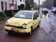 Vrouw gewond bij botsing tussen twee auto's in Geldrop