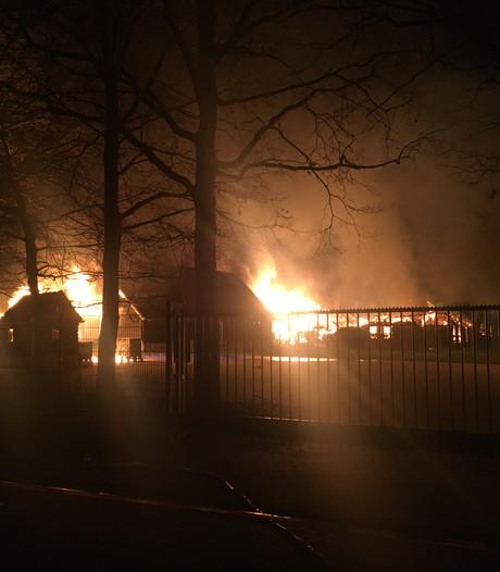 Distilleerderij van Ik Vertrek-ondernemer gaat in vlammen op