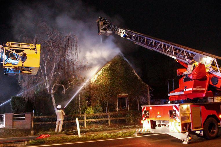 De woning liep tijdens de brand heel wat schade op.