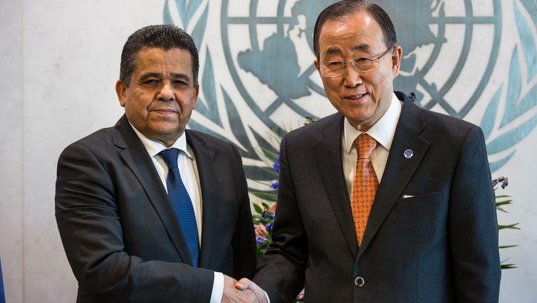 Mohamed Dayri, de Libische minister van Buitenlandse Zaken en Ban Ki-Moon, secretaris-generaal van de VN.