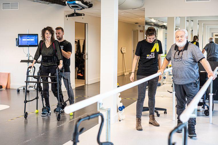 Oefeningen doen in het postrevalidatiecentrum zit er momenteel niet in, dus biedt To Walk Again onlinesessies aan.