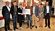 Marathonloper schenkt 4.000 euro aan vzw Ergasia