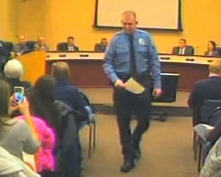 Agent Darren Wilson in februari tijdens een vergadering van de gemeente. Beeld null