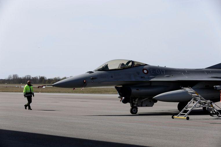 F-16 van de Deense luchtmacht. De zeven Deense gevechtsvliegtuigen werden na een missie van een jaar in oktober teruggehaald uit Irak.