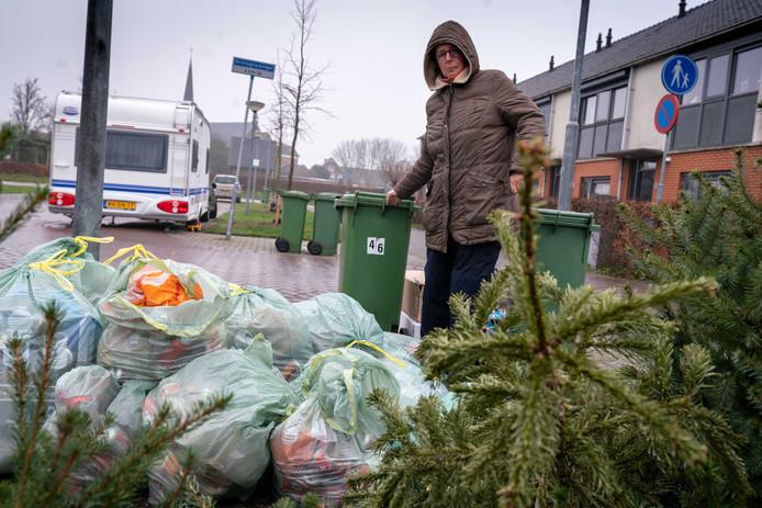"""Petra van Ulden wist wel van de wijziging. ,,Maar dat had best wat beter en nadrukkelijker op de afvalkalender gezet mogen worden."""""""