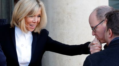 """""""Ze gedraagt zich als koningin van Frankrijk"""": Brigitte Macron onder vuur omdat ze geen tweede viool wil spelen"""