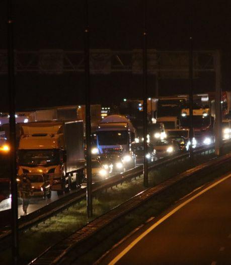 Meerdere gewonden bij ongeval op A35; weg richting Almelo weer vrijgegeven