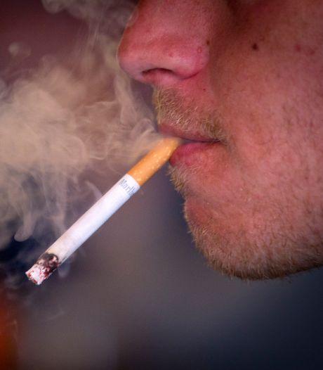 Gemeenten piekeren niet over een rookverbod