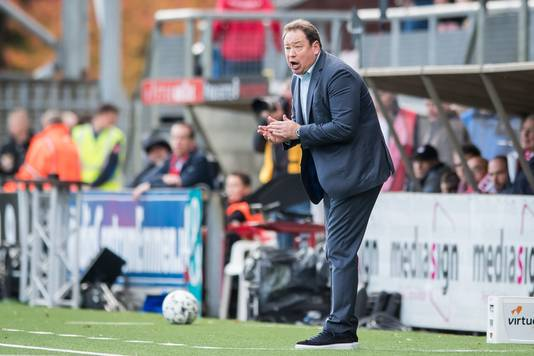 Het is de vraag wat Sloetski – behalve dat hij een media-attractie is – aan het Nederlandse voetbal toevoegt, aldus Remco Kock.