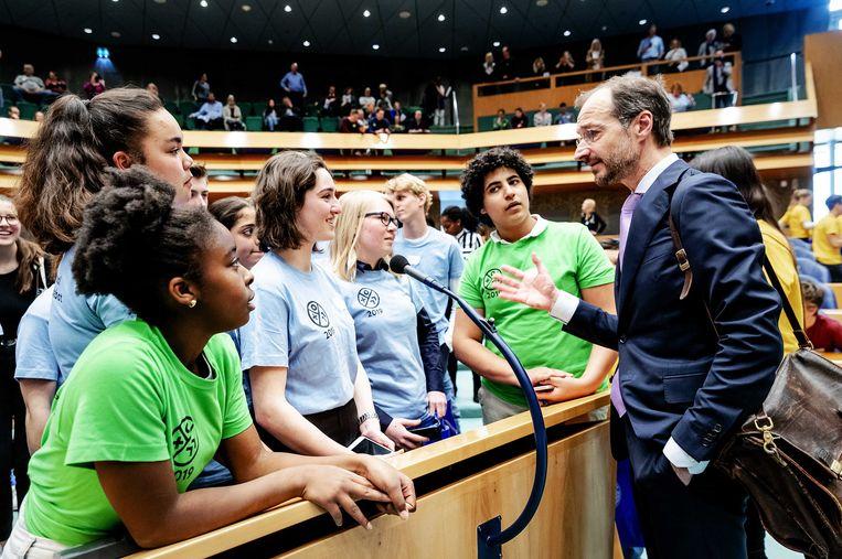 Jongeren na het debat met minister Wiebes over milieu en klimaat in de Tweede Kamer tijdens het Nationaal Jeugddebat vorige maand. Beeld ANP