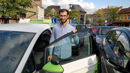 """Rijschool Donkmeer pent opmerkelijke verhalen leerlingen neer: """"Mijn eerste rijles in België verliep een pak rustiger dan in Syrië"""""""