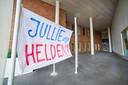 Spandoek met compliment voor het zorgpersoneel bij ziekenhuis Bernhoven te Uden.