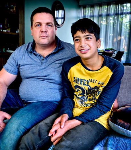 Remco strijdt voor de erkenning van zijn zoons handicap: 'Hij heeft het recht om bij ons op te groeien'