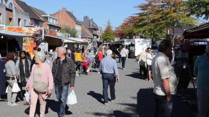 Astridplein loopt vol voor eerste markt