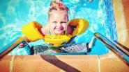 """Ouders starten crowdfunding voor dochter met hersenverlamming: """"Dolfijntherapie voor Collette is onze droom"""""""