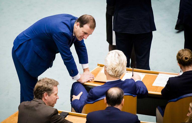 PvdA-leider Asscher in gesprek met PVV-leider Wilders. Beeld anp