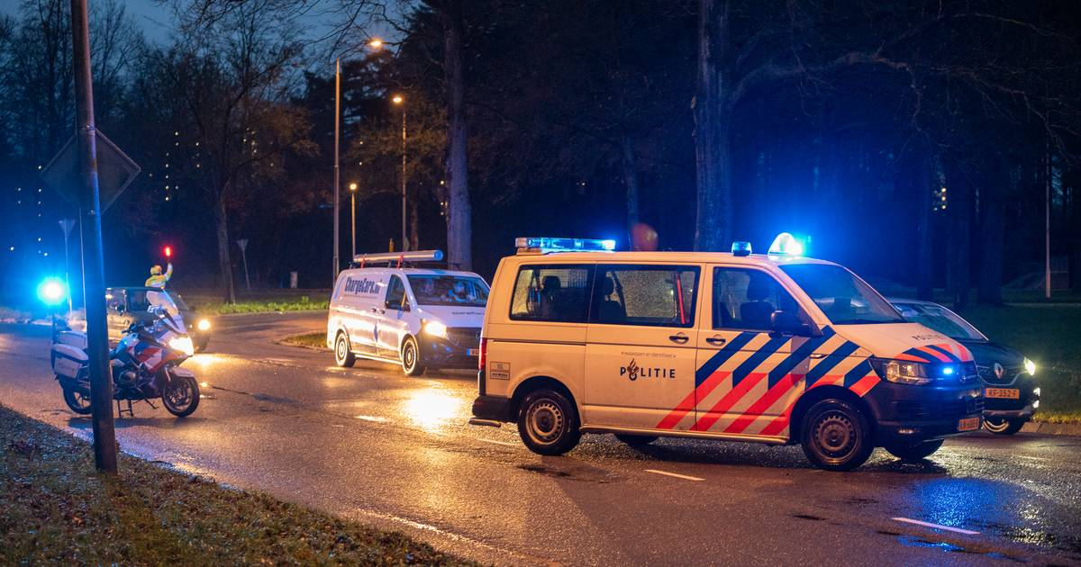 Overstekende fietser gewond door botsing met auto in Nijmegen.