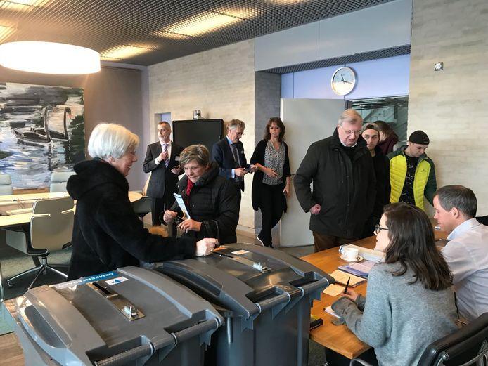 Stemmen kan in Eindhoven ook op de kamer van de burgemeester in Eindhoven
