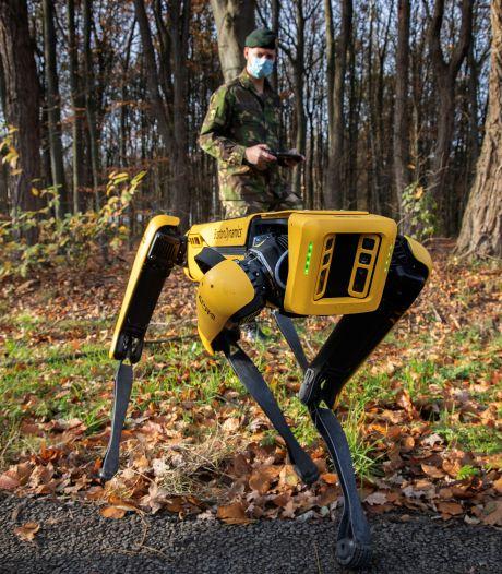 Robothond Spot kan levens redden en zoekt nieuwe baas op kazerne