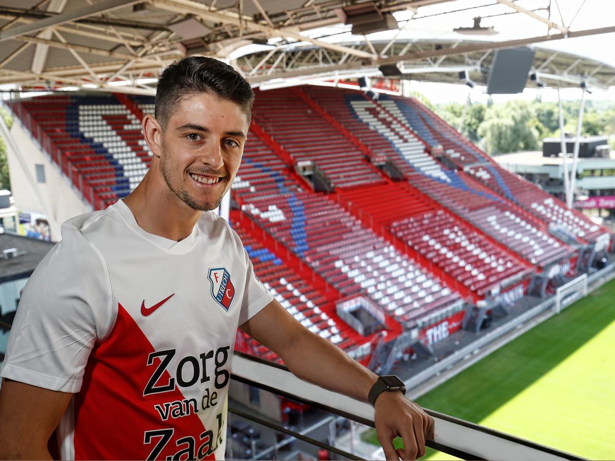 Adrian Dalmau is de nieuwe spits van FC Utrecht.