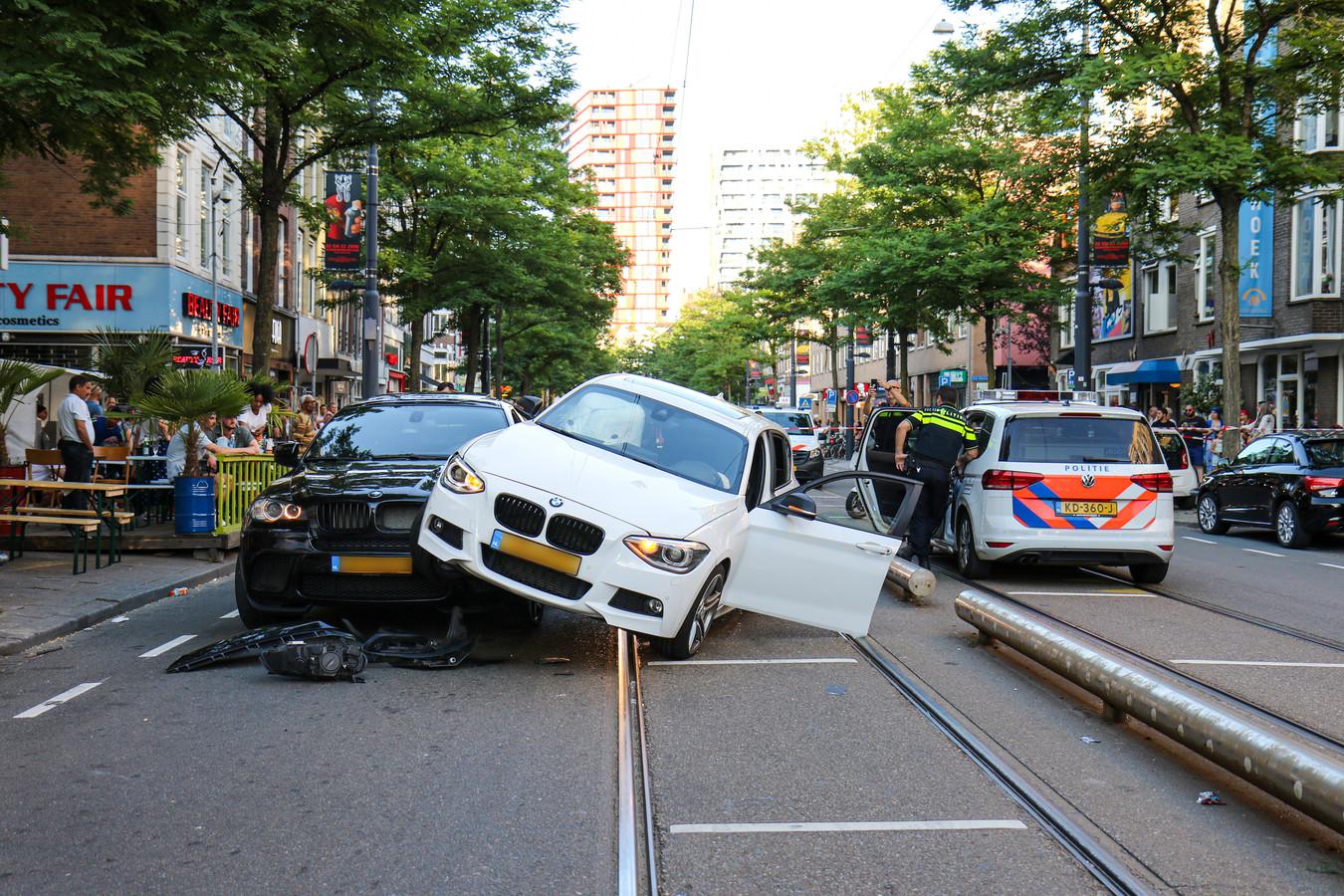 Een ongeval op de West-Kruiskade in Rotterdam waarbij vermoedelijk lachgas in het spel was.