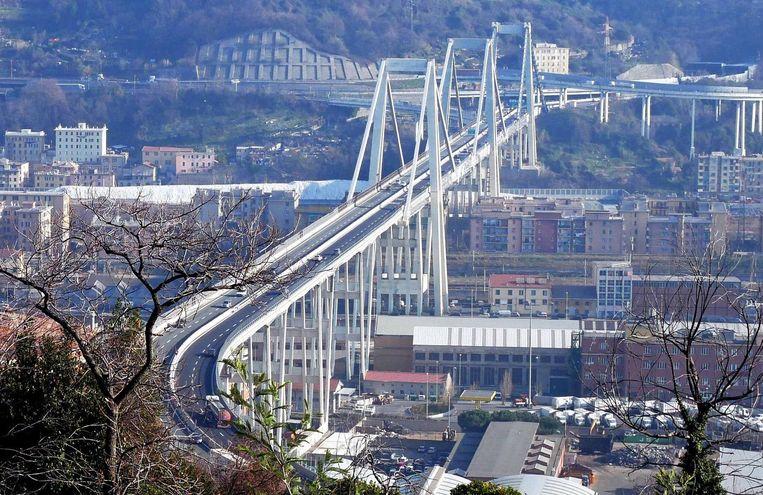 De Morandibrug voor de instorting.