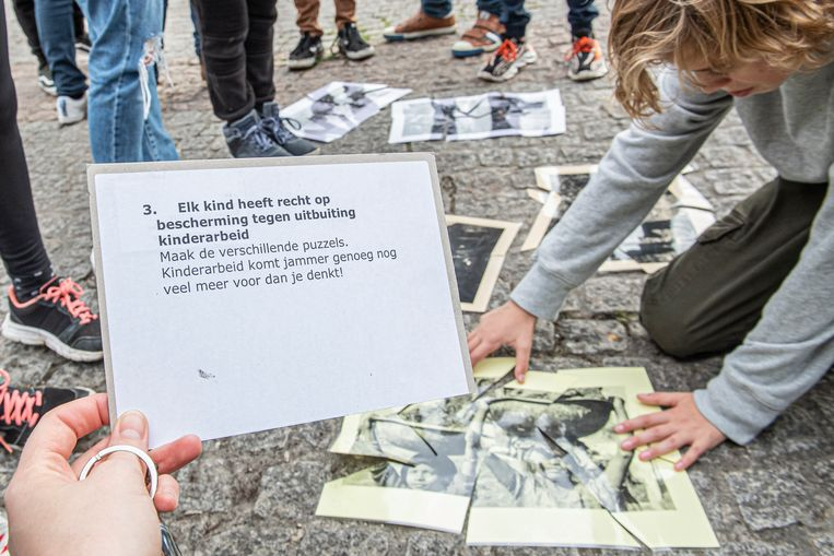 Via puzzels maken de leerlingen kennis met het recht op bescherming tegen uitbuiting en kinderarbeid.