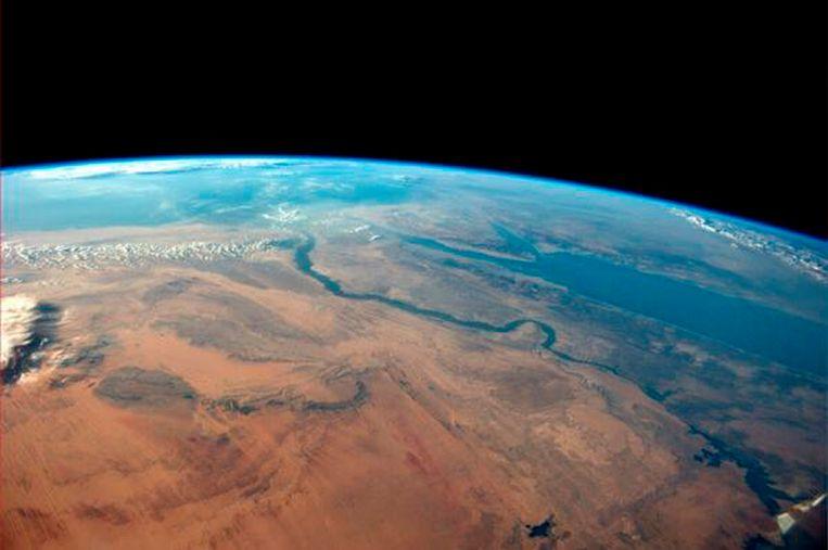 de aarde gezien vanuit de ruimte | de volkskrant