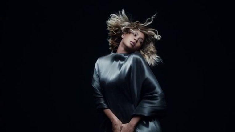 Beyoncé in Iris van Herpen.