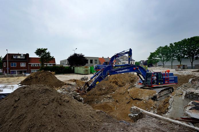 In 2014 ging de brandweerkazerne op de kop van de Westersingel tegen de vlakte. Het terrein is nu insteek van een debat rond plannen van zorgontwikkelaar Fivente om er een woon-zorgcomplex te bouwen.