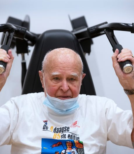 Jan (95) is drie keer in de week in de sportschool te vinden: 'Op naar de honderd!'