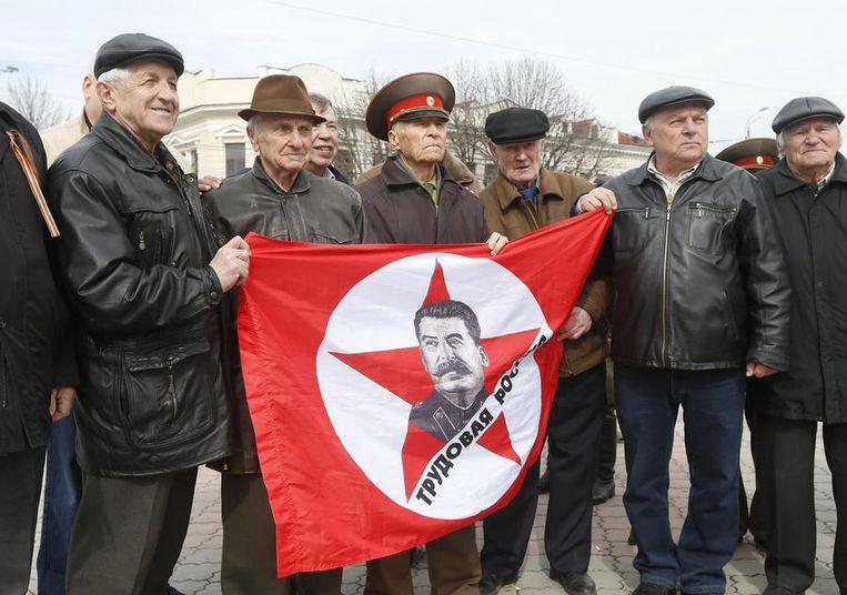 Pro-Russische betogers in Simferopol Beeld reuters