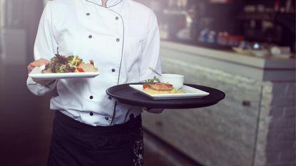 5 dingen waar obers een hekel aan hebben die we allemaal doen op restaurant