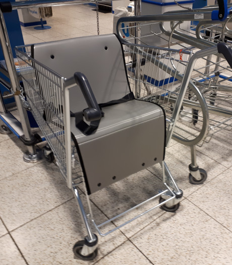 Alphense supermarkt introduceert winkelkar voor grotere kinderen met beperking