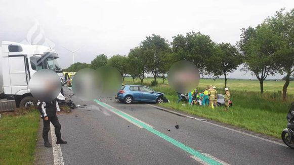 Het politiekorps Zeewolde (Flevoland) gaf twee foto's vrij van het zwaar ongeval aan de Gooiseweg.