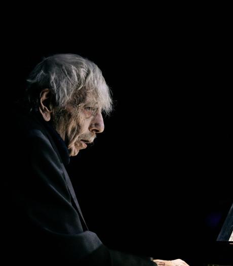 Dirigent Reinbert de Leeuw (81) overleden