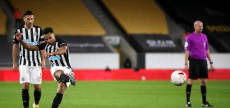 Slimme vrije trap Murphy brengt Newcastle vlak voor tijd naast Wolves