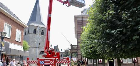 Vlam in de pan bij restaurant in Denekamp, personeel blust brand