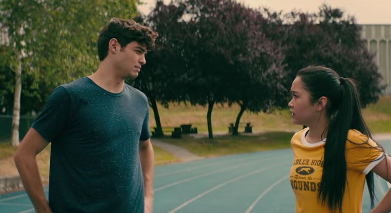 Noah Centineo en Lana Condor in 'To All The Boys I've Loved Before'.