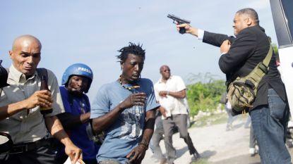 Haïtiaanse senator opent voor het parlement het vuur om betogers uiteen te drijven